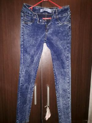 Jeans elastizado. Nuevo.