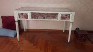 Mesa de arrime, estilo Luis XV