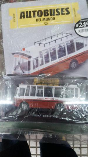 colectivo de la coleccion autobuses del mundo