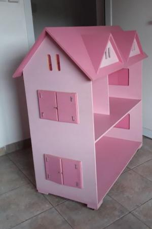 Casita de madera para muñecas