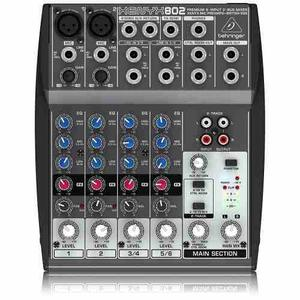 Consola Behringer Xenyx  Mono Y 2 Stereo