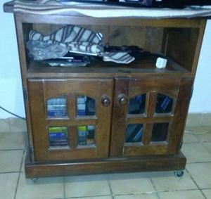 Mesa para televisor de algarrobo