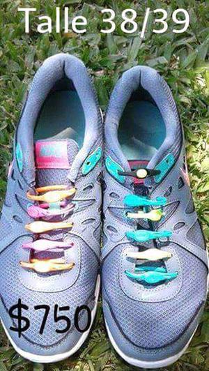 Vendo zapatillas y zapatos varios