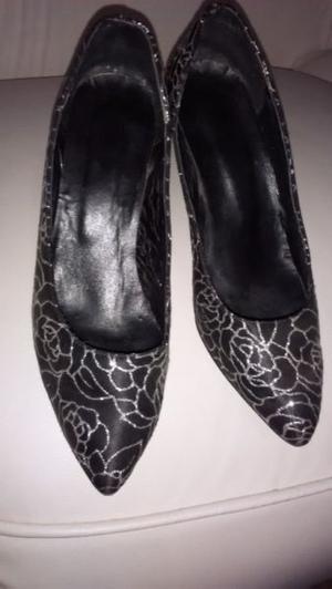 Zapatos luis Xv negro y plateado Nº 39 excelente estado
