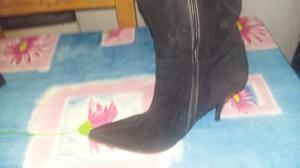 Botas largas color negro