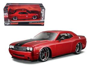Dodge Challenger Srt Maisto 1/24 Classic Muscle