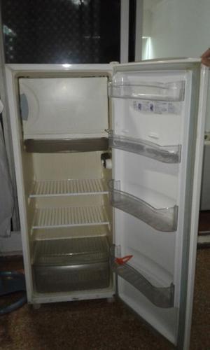 Vendo heladera excelente estado