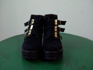 zapatos gamuzados negros con hebillas numero 37