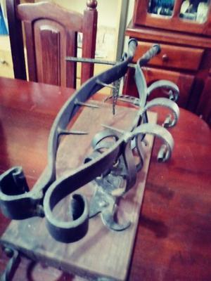 prensa grande de jamon con hierro forjado y base de madera