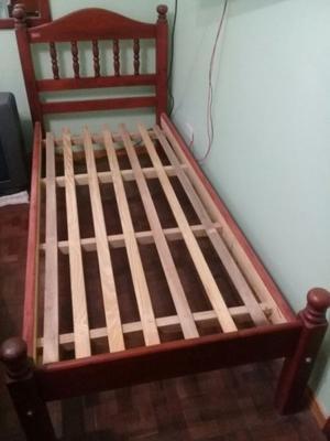 Vendo excelente cama de algarrobo de 1 plaza