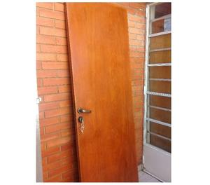 Vendo hermosa puerta placa en muy buen estado