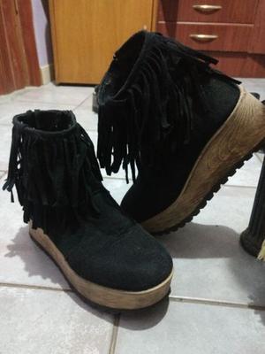 Zapatos con flecos sin uso