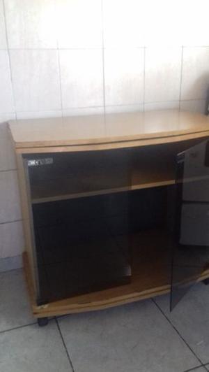 Mesa tv con puertas de vidrio y estante regulable