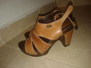 Vendo sandalias número 38, en excelente estado