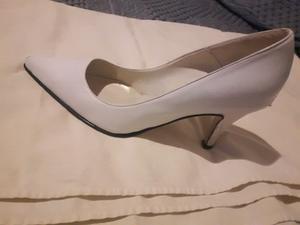 Vendo zapatos stiletos