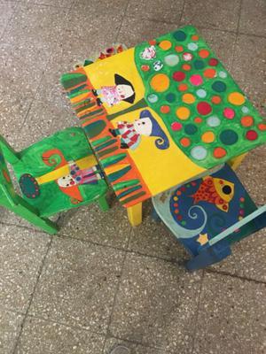 Mesita y sillas infantil tem ticas de madera posot class - Mesita con sillas infantiles ...