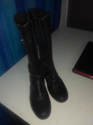 Vendo botas negras número 38