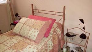 Vendo dormitorio juvenil cama 1 plaza y media de hierro