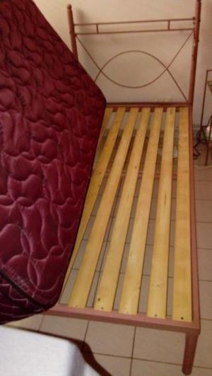 Vendo dormitorio juvenil cama una plaza y media hierro