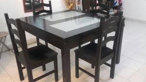 Vendo mesa + cuatros sillas de madera maciza