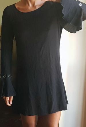 Vestido mujer negro. Mangas mariposa. usado