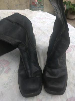 Botas de cuero largas color negro talle 40