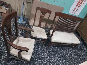 Muebles antiguos en buen estado!!