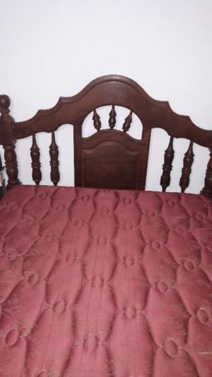 Vendo cama de algarrobo de 2 plazas