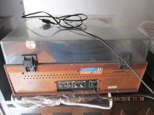 tocadiscos con cassetera y radio toshiba
