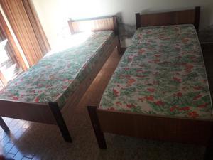 Vendo 2 camas de 1 plaza con colchones