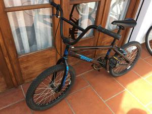 Vendo bicicleta BMX casi sin uso