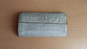 Billetera de cuero, de Prune, color verde aqua