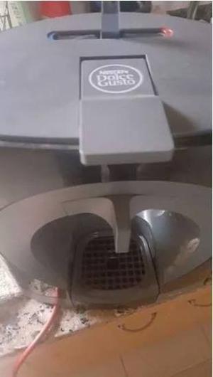 Cafetera Nescafe Dolce Gusto + 2 Capsula
