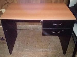 Cama de algarrobo,escritorio,mesita para tv