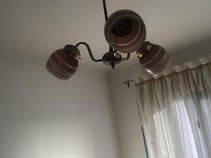 Lámpara de techo de 3 focos. No envíen WhatsApps, llamen.
