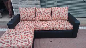 Sofa esquinero con puff