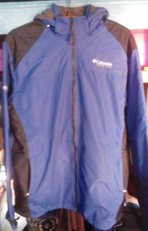 campera azul columbia frizada con capucha xl, usada..