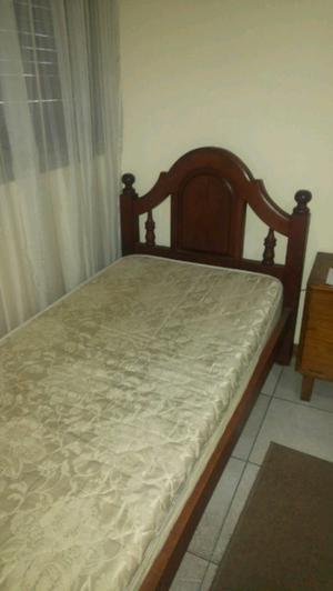 Cama 1 plaza algarrobo + colchón $