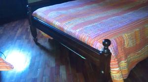 Juego de dormitorio de algarrobo usado