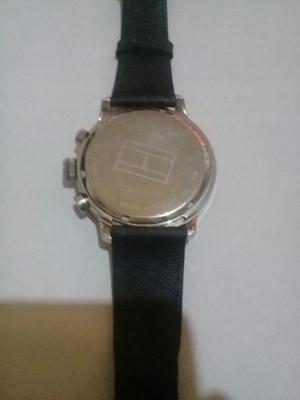 Reloj tommy hilfiger en muy buen estado sin malla original