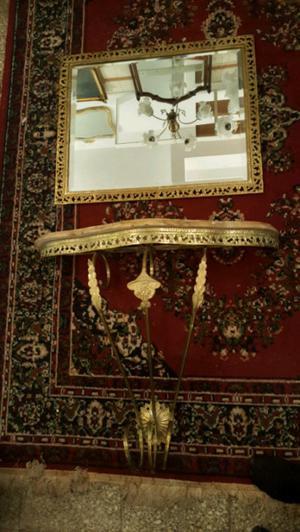 hermoso dresuar de bronce y marmol en buen estado