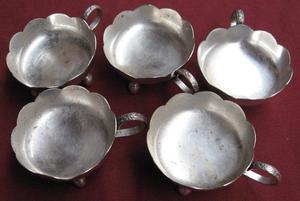 5 Compoteras de metal plateado.