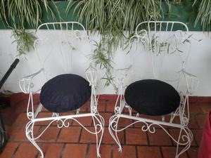 Juego de sillones de hierro antiguo