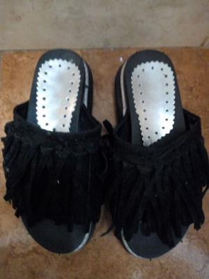 Vendo sandalias con flecos