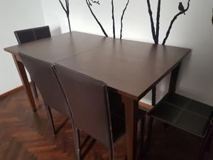 LIQUIDO Mesa con 4 sillas Excelente estado