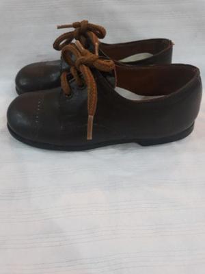 Liquido zapatos de cuero!! Talle 23
