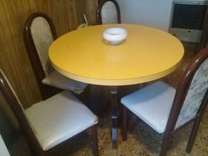 Mesa redonda de fórmica con patas de cedro macizo