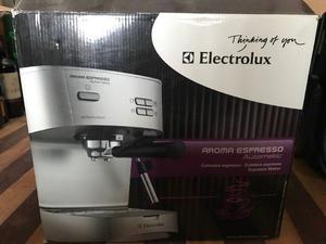 VENDO CAFETERA ELECTROLUX EXPRESSO AROMA