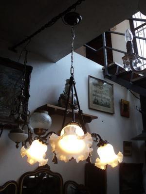 Antigua lámpara colgante de bronce. Antigua Saudade