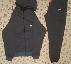 conjunto campera y pantalon nike